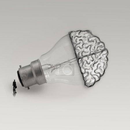 Photo pour Homme d'affaires regardant ampoule avec cerveau dessiné à la main comme concept d'idée créative - image libre de droit