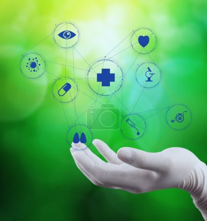 Photo pour Médecin médecin main icône de diagramme médical avec interface informatique comme concept médical - image libre de droit