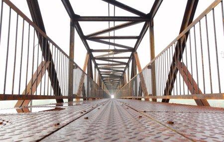 Steel bridge for