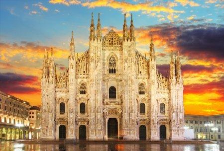 Photo pour Milan - Duomo - image libre de droit