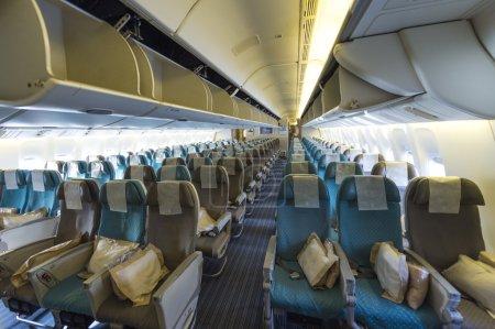 Photo pour Sur une planche de l'avion de ligne passager moderne - image libre de droit