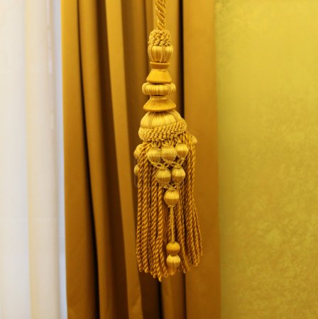 Kutas or brush for curtains