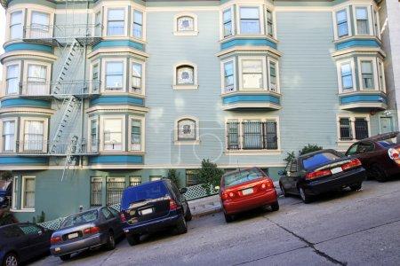 Photo pour Vue d'une route typique de San Francisco, États-Unis - image libre de droit
