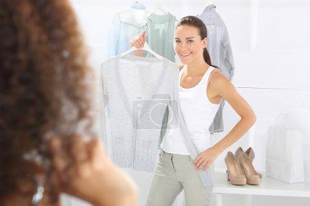 Sale, friend shopping