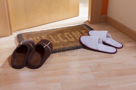 Welcome home doormat with open door