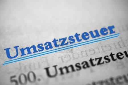 Photo pour Umsatzsteuer est le mot allemand pour taxe de vente - image libre de droit