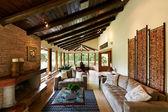 Interiérový design série: klasický rustikální obývací pokoj