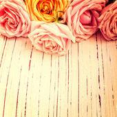Vintage retro Hintergrund mit Rosen