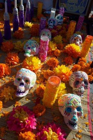 Photo pour Jour coloré des morts altèrent pendant la célébration - image libre de droit