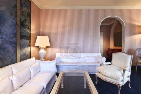 Photo pour Appartement de luxe intérieur, suite confortable, salon - image libre de droit