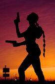 Žena se zbraněmi