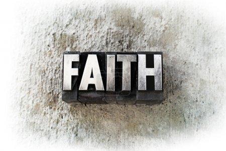 Photo pour Le mot « foi », écrit en vieux type de typographie vintage. - image libre de droit