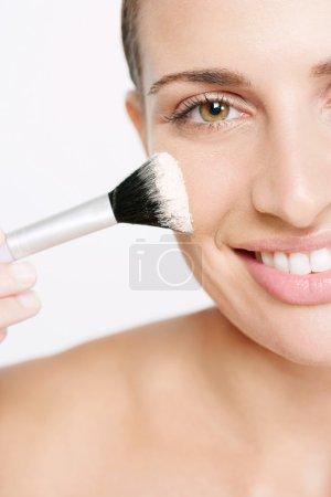 Latin woman make up
