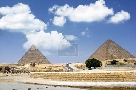 Symbol Egypt's - Sphinx and pyramids in Giza