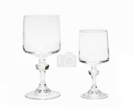 Photo pour Deux verres en fond blanc . - image libre de droit