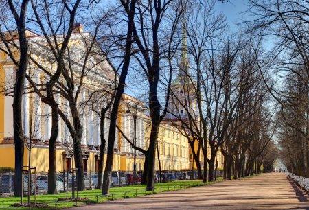 Russia, St. Petersburg Admiralty building and Alexander Garden.