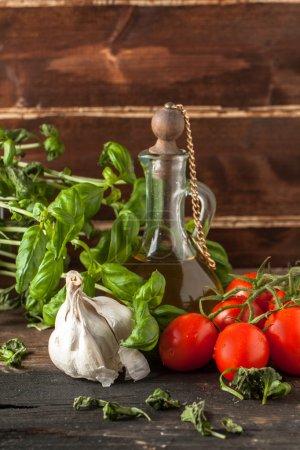 Basil, garlic and tomatoes