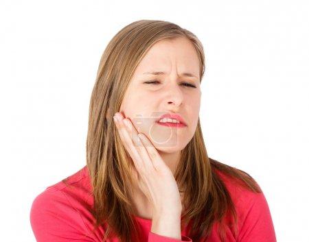 Photo pour Jolie femme avec la joue gonflée de mal de dents . - image libre de droit