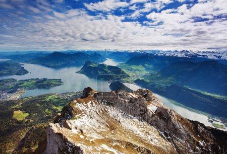 Photo pour Alpes suisses vue du Mont pilatus, lucerne Suisse - image libre de droit