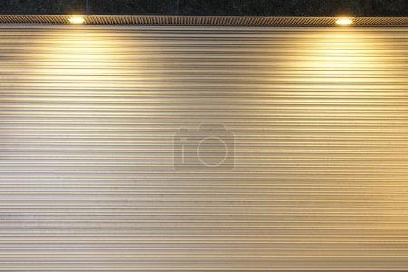 Photo pour Ondulé blanc surface texture en métal ou acier fond de galvaniser - image libre de droit