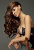 """Постер, картина, фотообои """"Красивая девушка с длинными волосами и идеальный макияж"""""""