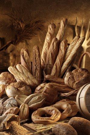 Photo pour Boulangerie artisanale sur fond rustique - image libre de droit