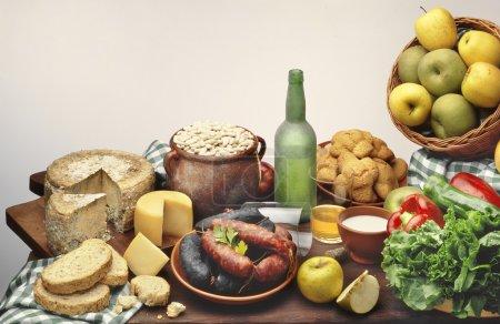 Photo pour Des produits artisanaux et des aliments, asturias, Espagne - image libre de droit
