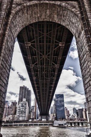 Photo pour Paysages urbains bâtiments skyscapers lumière pont parc de la grande pomme new york city usa - image libre de droit