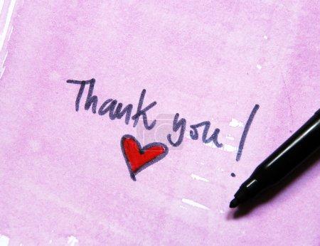 Photo pour Merci massage avec coeur sur fond d'aquarelle - image libre de droit