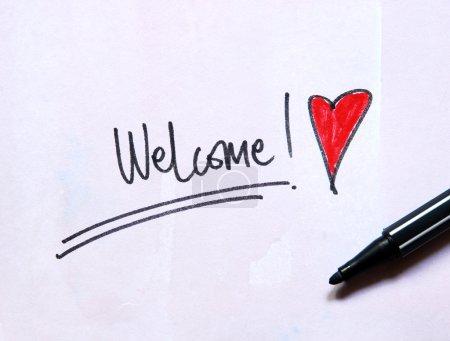 Photo pour Message de bienvenue avec cœur sur fond aquarelle - image libre de droit