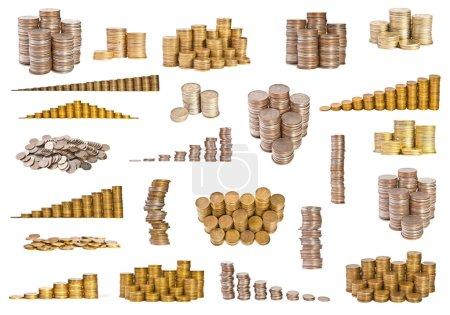 Set verschiedener Münzen auf weißem Hintergrund