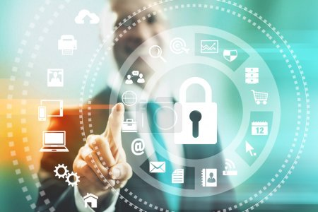 Photo pour Homme de concept de sécurité Internet pointant vers des solutions - image libre de droit