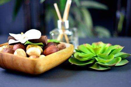 Photo pour Parfum de spa et plante verte - image libre de droit