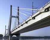 železniční most táw vysoká rychlost na řece po, piacenza, Itálie