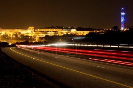 Photo pour Construction de l'Université d'Afrique du Sud à Pretoria, Afrique du Sud la nuit - image libre de droit