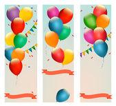 Retro dovolená bannery s barevnými balónky a příznaků. vektor