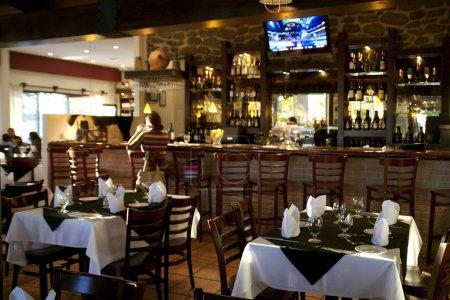Photo pour Vue de l'intérieur du restaurant. - image libre de droit