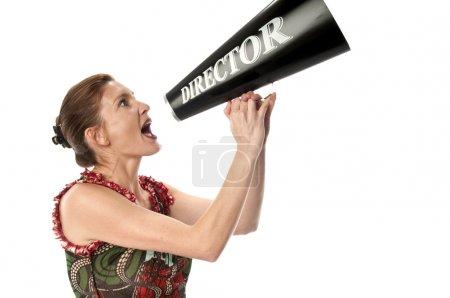 Photo pour Jeune femme parlant dans un mégaphone très fort . - image libre de droit