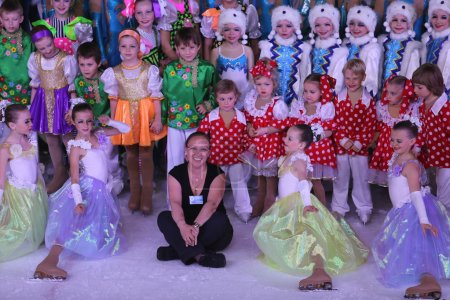 """Children's staff of ice theater """"Alecko"""" together with the head"""