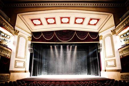 Photo pour Théâtre, salle de l'auditorium - image libre de droit