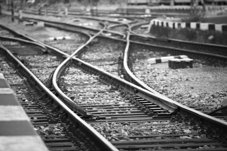 Photo pour Les voies ferrées en face de la gare, prague - image libre de droit