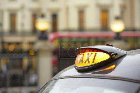 Foto de Taxi car en Londres - enfoque selectivo - Imagen libre de derechos