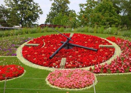 Photo pour La belle horloge à Genève (Suisse) - image libre de droit