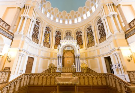 Photo pour Synagogue chorale intérieure à Saint-Pétersbourg, Russie - image libre de droit