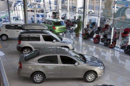 Photo pour Salon de Kiev Praha-Auto avec ensemble de nouveaux modèles Skoda : Octavia A5, Yeti et Fabia - image libre de droit