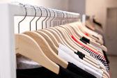 Oblečení na stojanu