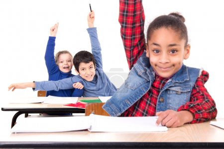 Photo pour Les enfants en classe - image libre de droit