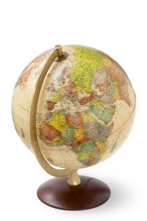 Photo pour Gros plan d'un globe antique sur fond blanc - image libre de droit