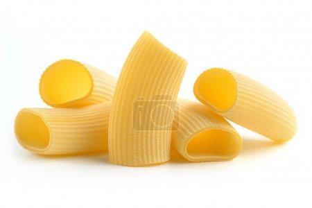 Photo pour Tas de pâtes italiennes isolé sur fond blanc - image libre de droit