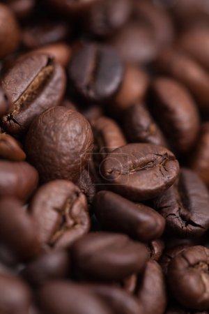 Photo pour Un lit de grains de café délicieux et parfumés - image libre de droit